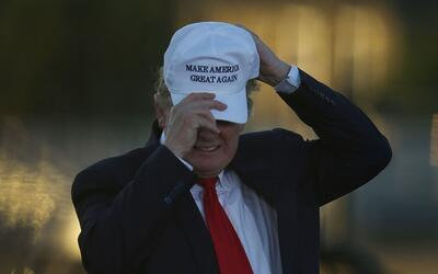Donad Trump durante un evento de campaña en Naples, suroeste de F...