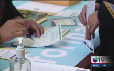 Proponen que inmigrantes indocumentados puedan comprar seguros médicos