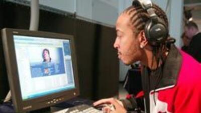 Se descubrió que hacer búsquedas en Internet activa regiones del cerebro...