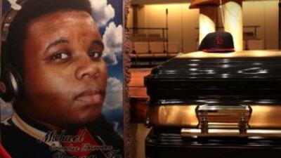 Dan el último adiós a Michael Brown en un día de calma en Ferguson
