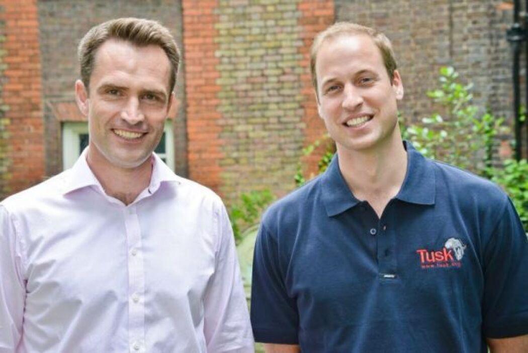 El periodista Max Foster le sacó al príncipe William las primeras palabr...