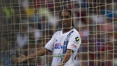 Ronaldinho cumplirá 35 años en el peor momento profesional de su carrera.