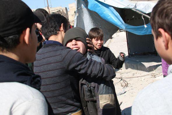 La violencia ha obligado a muchos de ellos al desplazamiento interno o a...