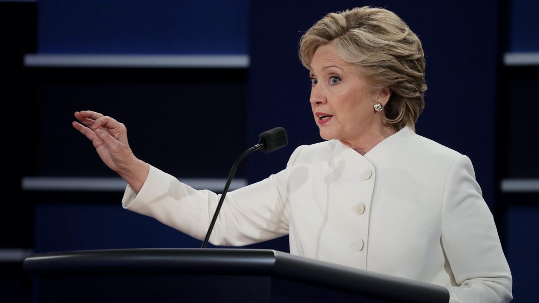 """Hillary Clinton: """"Donald piensa que menospreciar a las mujeres lo hace m..."""