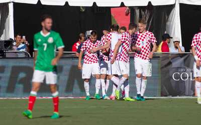 México cayó 2-1 con Croacia en un histórico juego para Javier Hernández