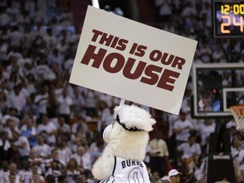 El Miami Heat se convirtió en la tercera franquicia en la NBA en...