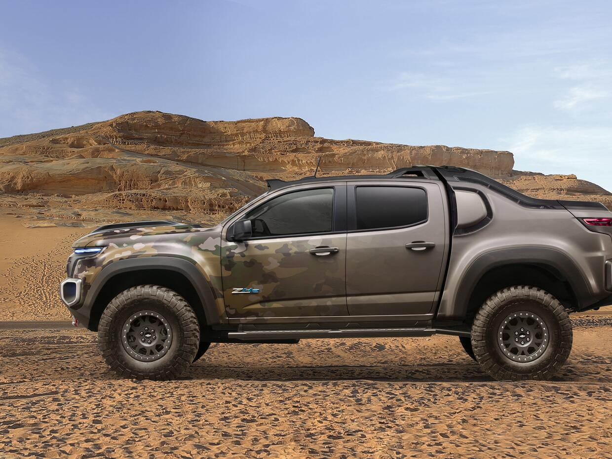Chevrolet Chevrolet-Colorado-ZH2-FuelCell-ElectricVehicle-003.jpg