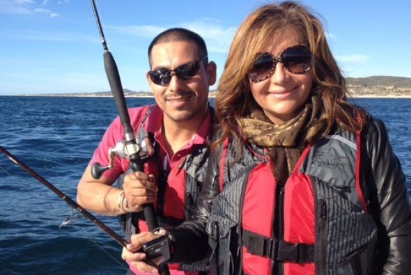 Jessica y Espinoza disfrutaron de las agradables olas de mar de Cortés.