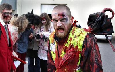 Transfórmate en un zombie