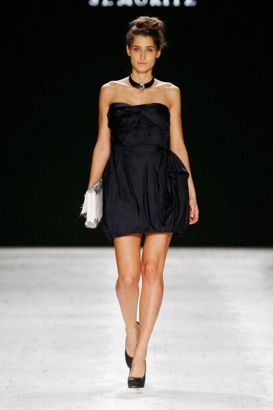 Los vestidos con 'strapless' son una opción súper aconseja...