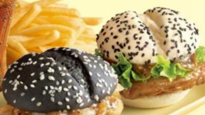 Black Burger y White Burger, de McDonald's. (Imagen tomada de Twitter).