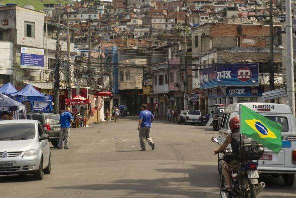 En Brasil, durante el operativo militar en el Complexo do Alemao, fue re...