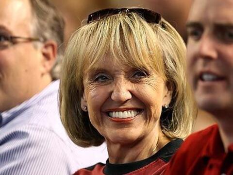 En la Casa BlancaLa gobernadora Jan Brewer llega este jueves a la Casa B...
