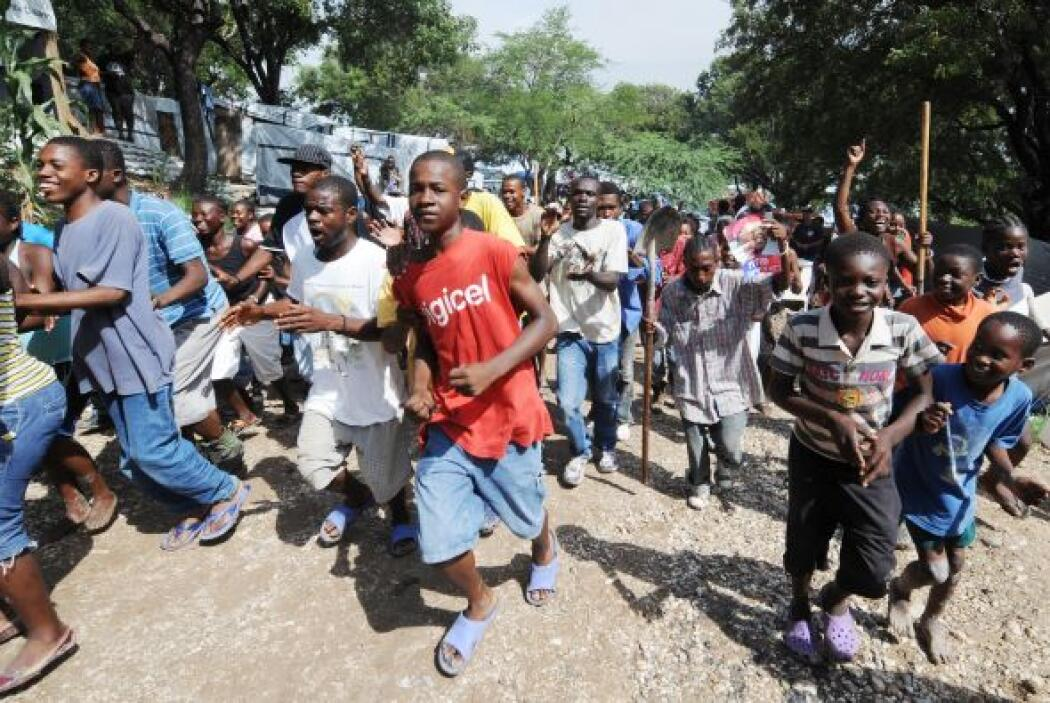 Los desplazados son intimidados por jefes de pandillas o propietarios de...
