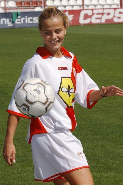 Milene Domingues fue el primer 'gol de media cancha' de Ronaldo. Contraj...