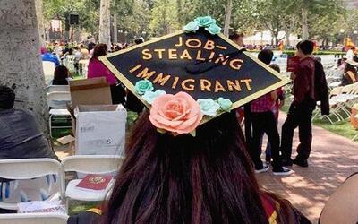 Adriana se graduó en la University of Southern California en Jeff...