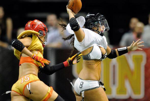 La Lingerie Football League sigue creciendo en Estados Unidos. Sin pudor...