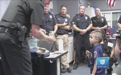 Un héroe del futuro: Policía de New Jersey es reconocida por un pequeño...