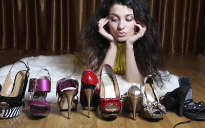 Trucos para aflojar zapatos nuevos