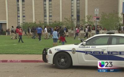 Siguen protestando alumnos del DISD