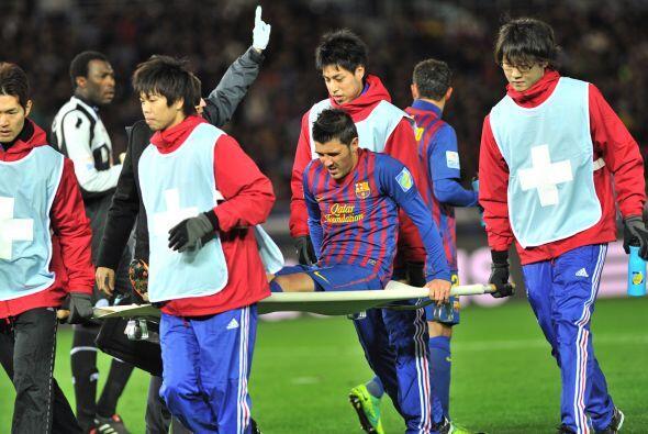 El 'Guaje' tuvo que ser reemplazado por  Alexis Sánchez y se conf...
