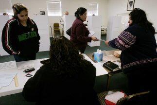 Consideran discriminatorio para los hispanos la ley Voter ID de Texas qu...
