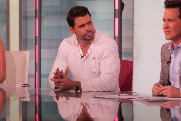 Después llegó el guapo Pedro Moreno para dar todos los detalles de la nu...