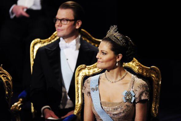 El rey Carlos Gustavo de Suecia fue quien dio los premios Nobel de Liter...