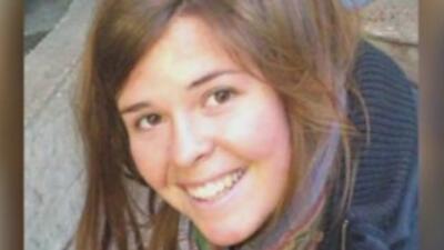 Familia de Kayla Mueller, la estadounidense en manos de ISIS, externa dudas