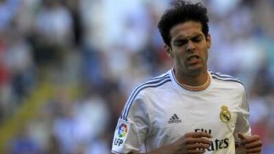 De acuerdo con diarios italianos, el brasileño volvería a jugar con el M...
