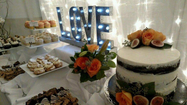 Festín de boda alegra a desamparados