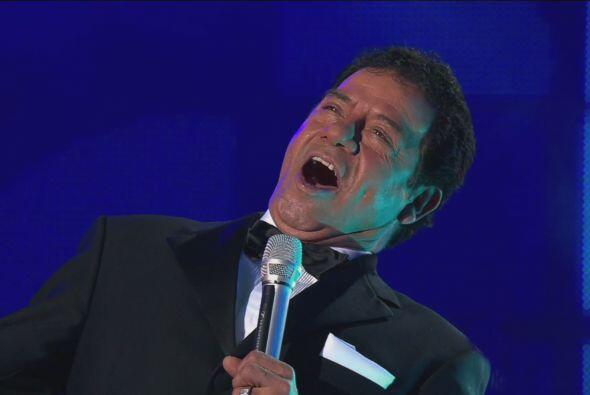"""Mientras que José Jose, del equipo de la Vale, cantó """"A mi manera""""."""