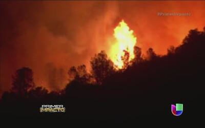 Severos incendios en California y peligro de inundaciones en el resto de...