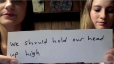 Dos chicas cuentan una angustiante historia parte por parte.Lo que una...