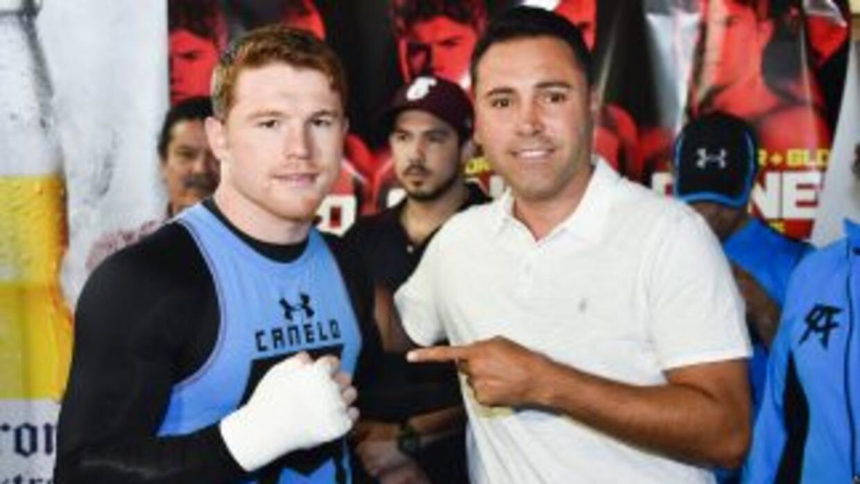 De la Hoya dispuesto a cerrar 'Canelo' Álvarez contra Miguel Cotto.