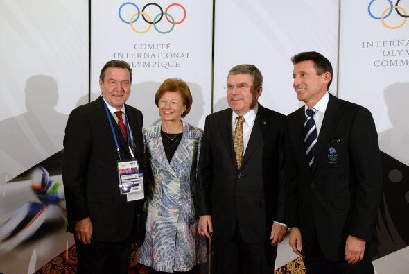 En la imagen, Thomas Bach, presidente del Comité Olímpico Internacional;...