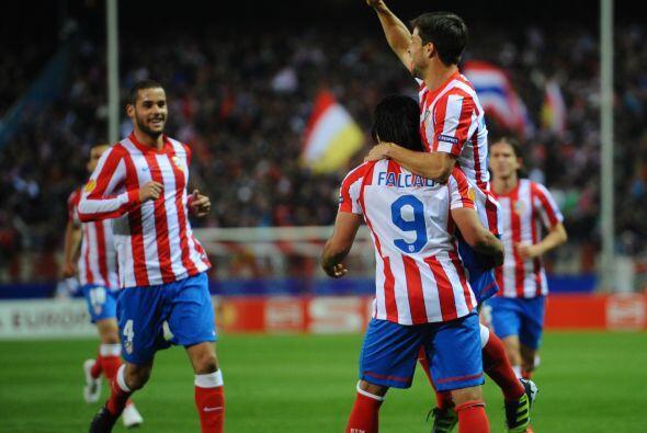 Apenas al minuto 49 el Atlético volvió a ponerse adelante en el duelo co...