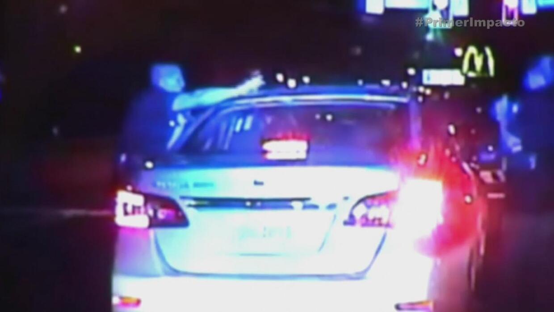Sujeto arrastró con su vehículo a un policía
