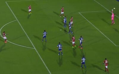 Kellyn Acosta, la mete al ángulo para el 2-0 de FC Dallas ante Árabe Unido