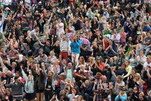 El público británico estalló de felicidad ante la v...