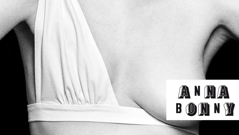 A través de su firma Anna Bonny, Noelia ofrece prendas de lencería para...
