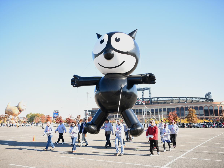 Este año regresa a formar parte del desfile el globo de El gato Félix, q...