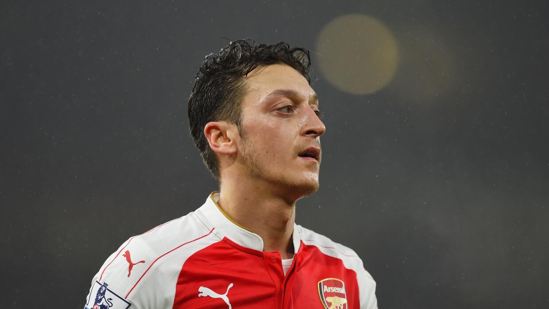 Contrato de Özil con cláusula 'anti Barça'