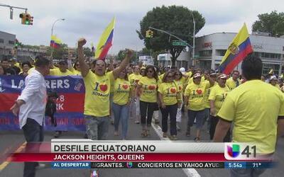 Ecuatorianos celebran la Independencia de su país