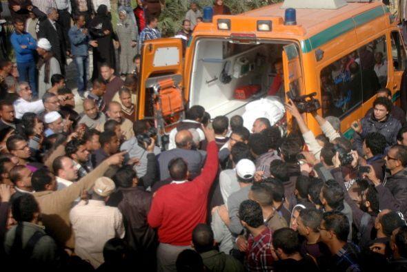 El presidente Mohamed Morsi comparecerá el sábado ante los medios para e...