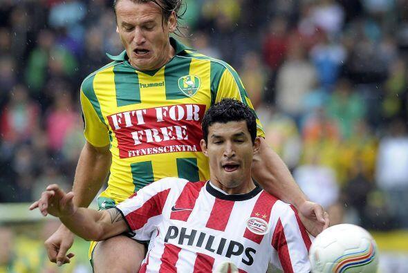 """Francisco """"Maza"""" Rodríguez compartió la cancha con Salcido jugando la Ch..."""