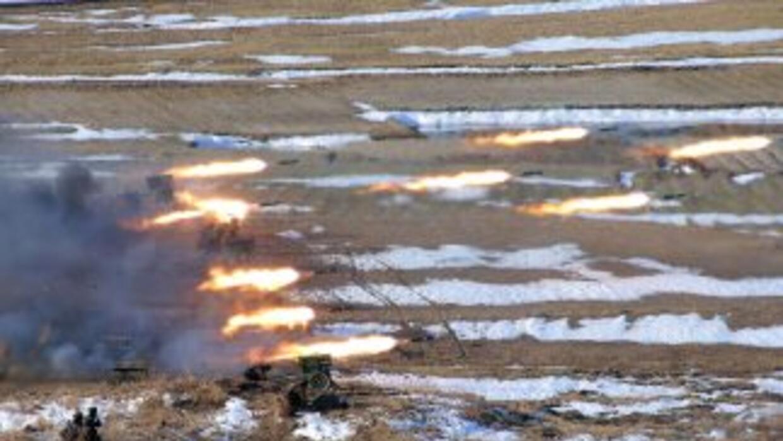 El líder norcoreano, Kim Jong-un, dirigió personalmente ejercicios de de...