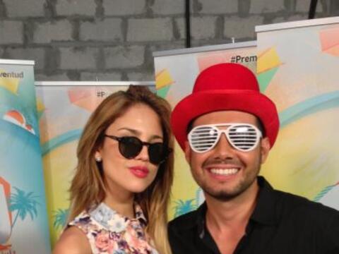 Eiza González llegó a los ensayos de Premios Juventud luci...