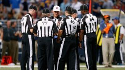 Los referees de remplazo han sido muy criticados por jugadores y entrena...