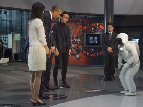 En su visita al Museo de Ciencia Emergente e Innovación el presid...